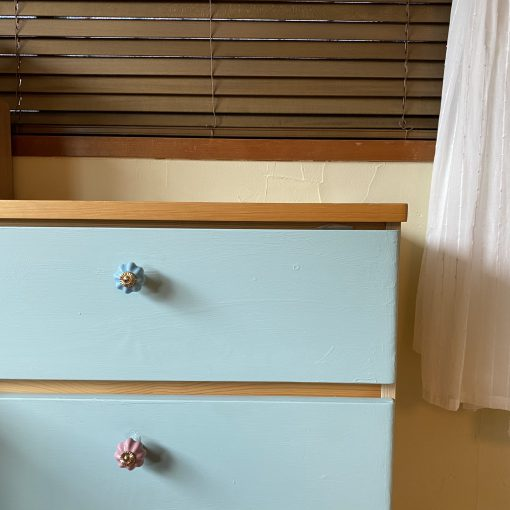 部屋のイメージが一新!家具ペイントでお手軽DIY